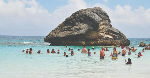 Horeshoe Bay People free activity in may in bermuda