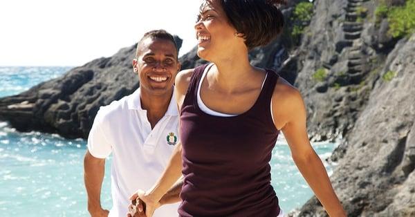 couple-beach-romance-culture of bermuda