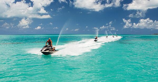 jet-ski-friends-on-the-water-in-bermuda-in-january